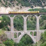 Video: pequeño tren amarillo